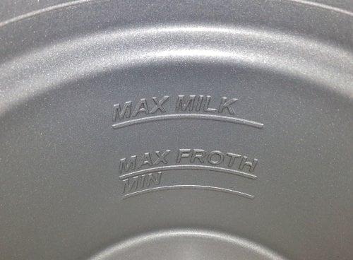 CASO Crema Grande Jet Design Milchaufschäumer für cremigen Milchschaum (kalt & heiß) - ideal für Latte Macchiato, Kakao, Cappuccino oder Frappé