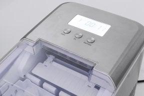 CASO IceChef Pro  Design ice cube machine