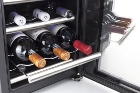 CASO WineCase 12 Red Design Weinkühlschrank für Rotwein