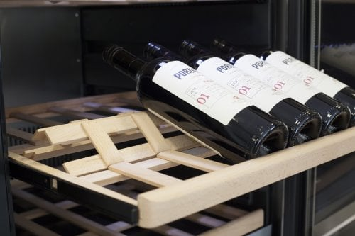 WineChef Pro 126 App-controlled wine control device - Two separate temperature zones