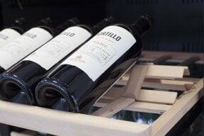 CASO WinePremium 180 Smart  - BEEF!®-Edition Design Weinkühlschrank für bis zu 180 Flaschen